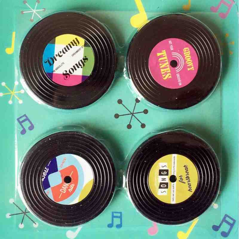 "4 Magnets ""Disques Vinyles""."